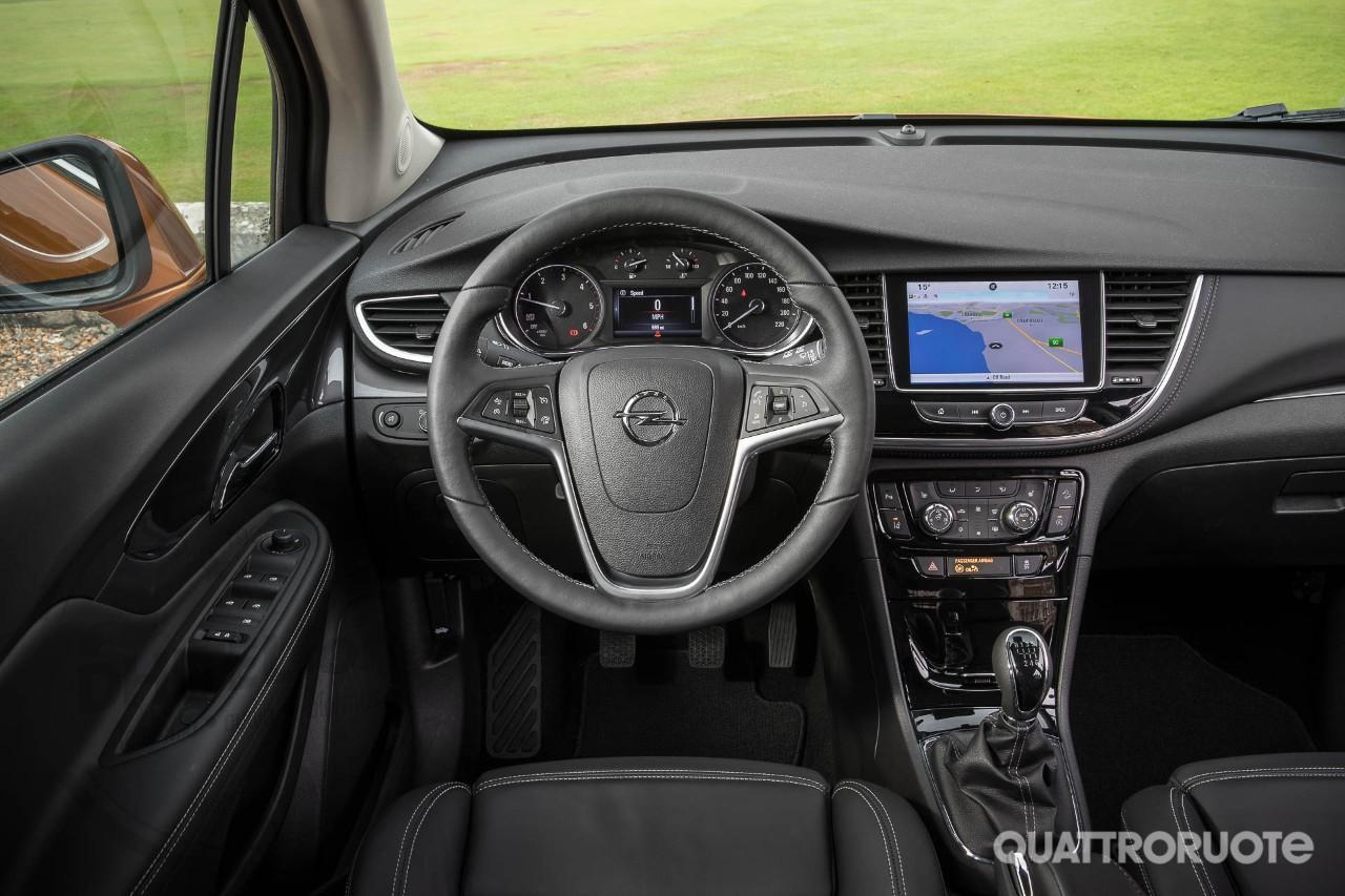 Dhitelfon en dhitelfon sistema de navegaci n radio gps for Opel mokka x interieur