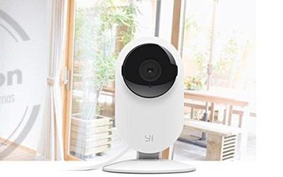 YI Home Cámara 720p Conéctate a casa en cualquier momento y lugar. Recibe alertas de seguridad inteligentes.