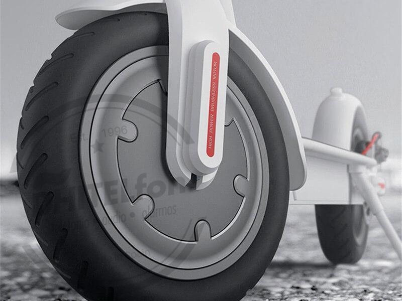 En DHITELfon, PATINETE ELÉCTRICO DE UN MOTOR DE 250 W Y BATERÍA 7.800 MAH