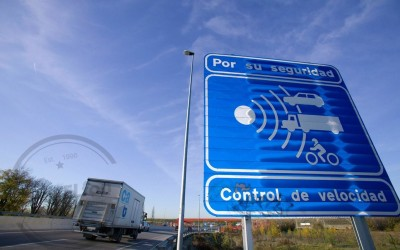 La DGT insiste: restar más puntos por usar el móvil y unificar a 90 km/h el límite en carreteras convencionales